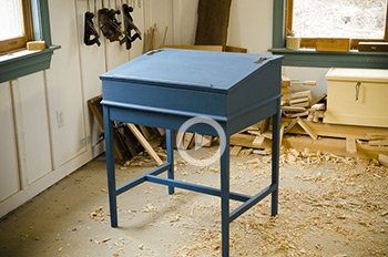 blue dovetail desk beginner projects for woodworkers