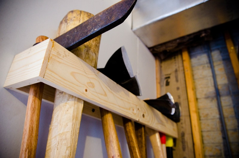how-to-hang-store-axes-froe-mallet-hatchets