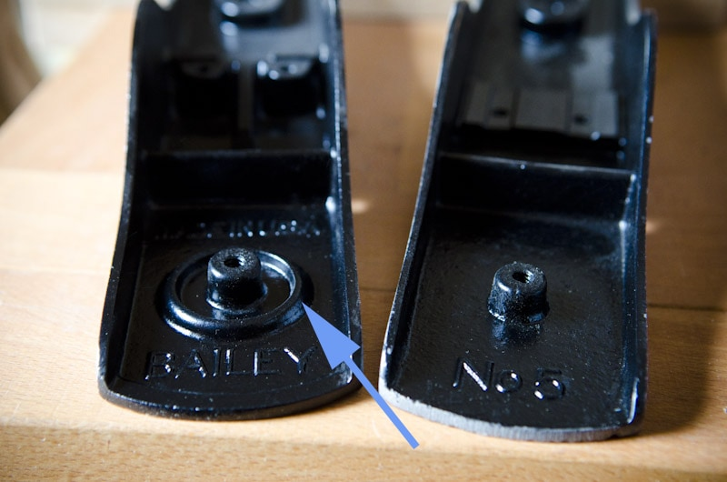 Stanley plane identification: two Stanley bailey planes showing raised ring surrounding the knob receiver screw hole