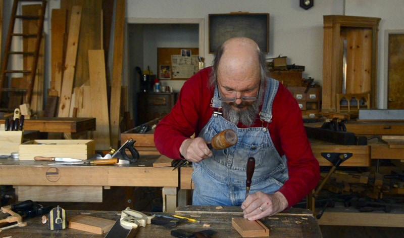 half-lap-dovetails-hand-tools-02