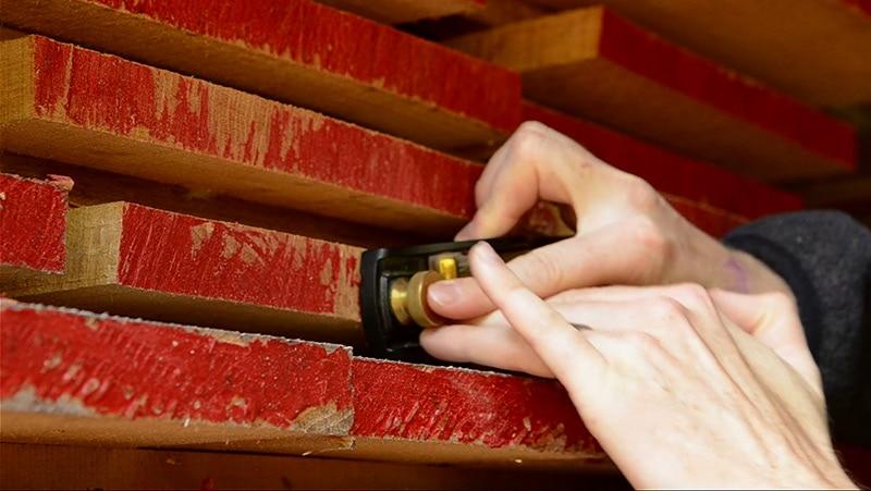 block-plane-end-grain-lumber-close-up