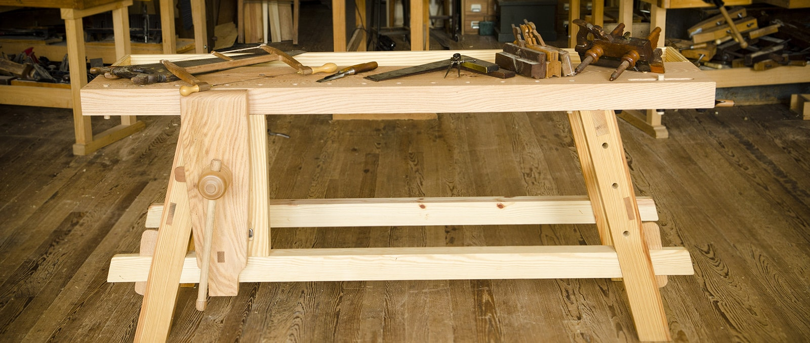 ... Guide to Woodworking Workbenches & Tool Storage (1/13) | Wood and Shop