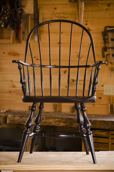 Windsor Chair made by Elia Bizzarri in his North Carolina woodworking workshop