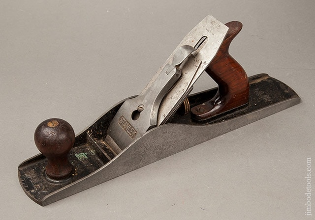 Stanley plane identification showing a Stanley Bailey Type 15 Hand Plane (1931-1932)