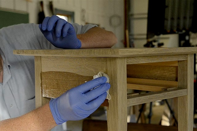 Applying a wiping varnish finish to a white oak night stand