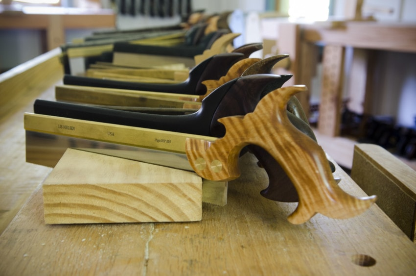 Which Affordable Dovetail Saw is Best? Lie-Nielsen vs. Veritas | Wood and Shop