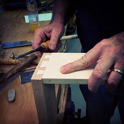 Jim Huggett making hand cut half blind dovetails with chisels