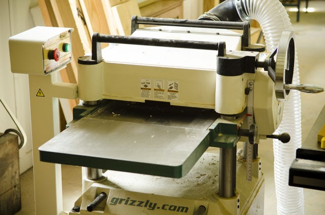 Grizzly Polar G0453PX 15 inch planer with spiral cutterheads