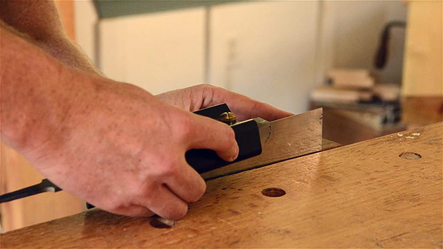 jointing a card scraper
