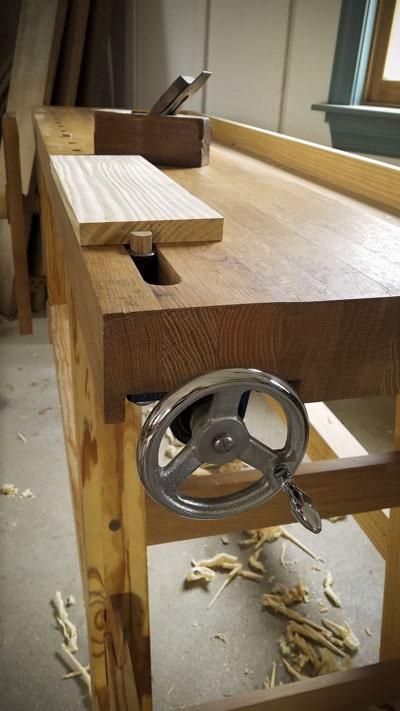 Portable Moravian workbench tail wagon vise