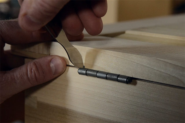 Marking The Hinge On The Lid While Installing Butt Hinges On A Dovetail Chest