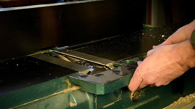 remove a guard on a grizzly jointer